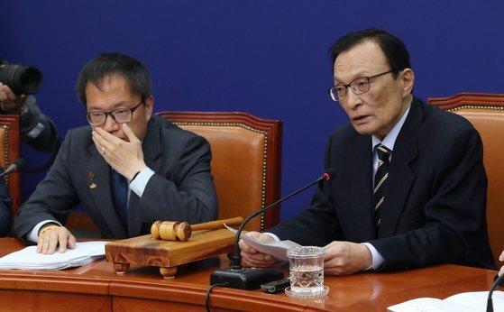 지난 4월 27일 이해찬 더불어민주당 대표가 27일 오전 서울 여의도 국회에서 열린 최고위원회의에서