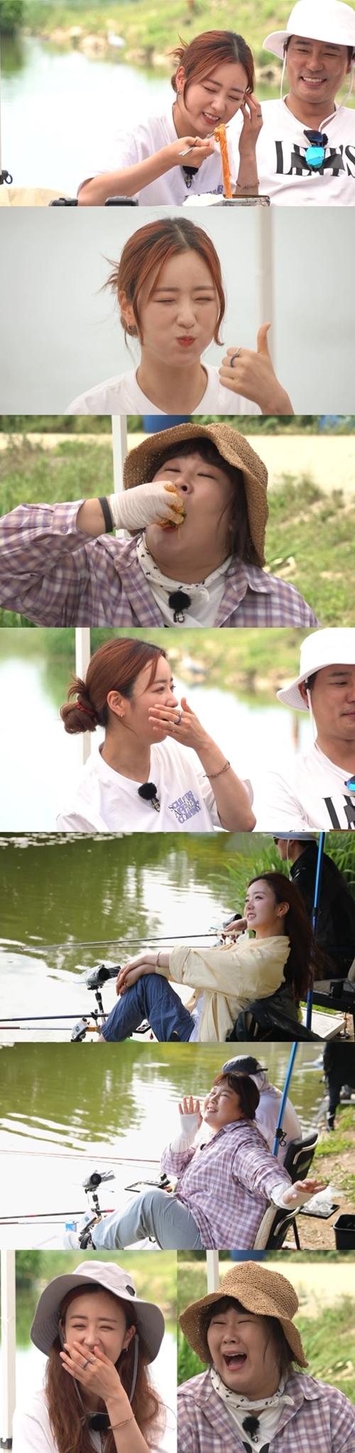 '도시어부2' 김민경과 에이핑크 윤보미가 같은 포즈 다른 느낌을 보인다. 사진=채널A 도시어부 시즌2