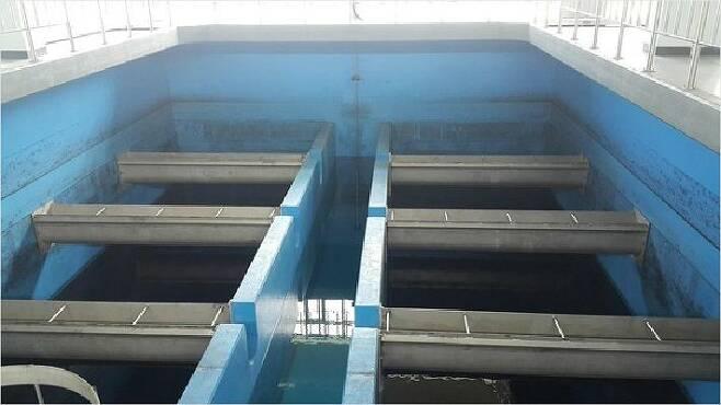 (사진=연합뉴스)공촌정수장 활성탄 여과지