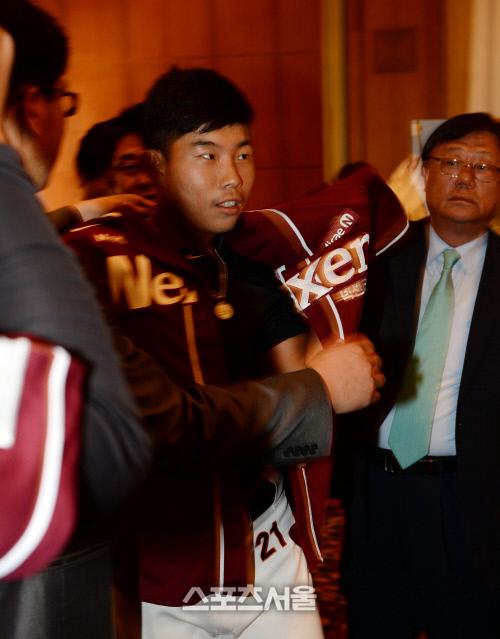 지난 2014년 히어로즈 구단에 지명된 송우현. 박진업기자 upandup@sportsseoul.com