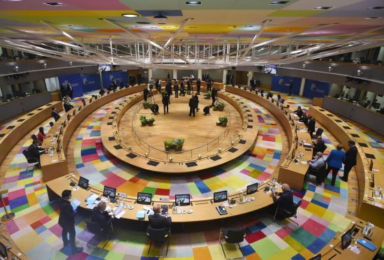 유럽연합(EU) 회원국 정상들이 17~19일 벨기에 브뤼셀 회의장에서 회복기금 등에 대한 논의를 하고 있다. [이미지출처=AP연합뉴스]