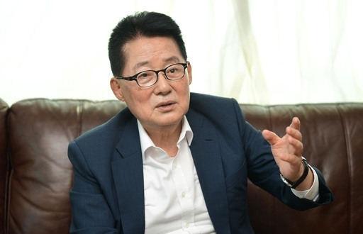 인터뷰를 하고 있는 박지원 국가정보원장 후보자. 세계일보 자료사진