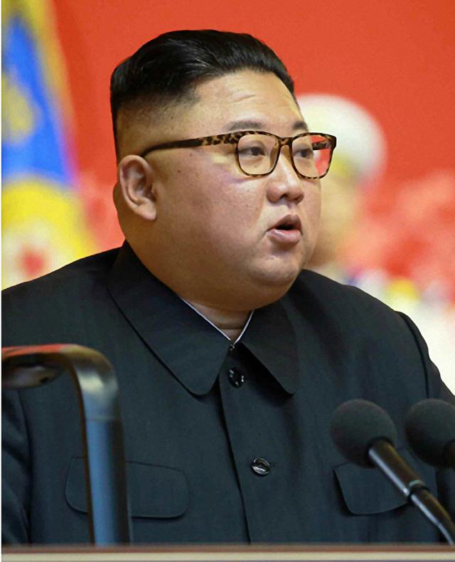 김정은 북한 국무위원장이 27일 평양 4·25 문화회관에서 열린 제6차 전국노병대회에서 발언했다고 조선중앙통신이 28일 보도했다/조선중앙통신·연합뉴스