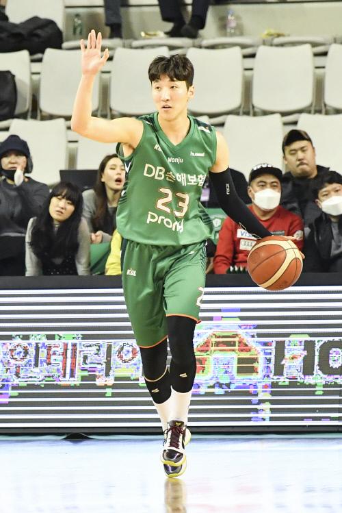 지난 시즌 DB에서 뛴 현대모비스 김민구. 제공   KBL