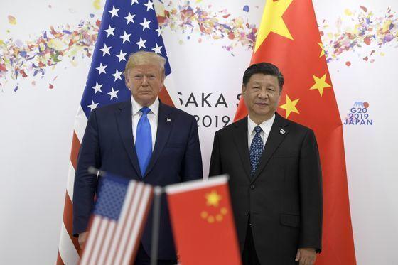 지난해 6월 29일 일본 오사카에서 열린 주요 20개국 정상회담을 계기로 만난 트럼프 미국 대통령과 시진핑 중국 국가주석. [중앙포토]