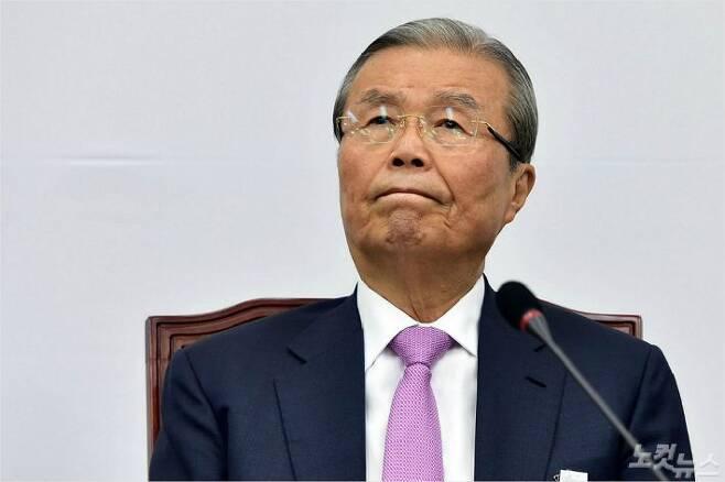 미래통합당 김종인 비대위원장이 국회에서 열린 비상대책위원회의에서 생각에 잠겨있다. (사진=윤창원 기자)