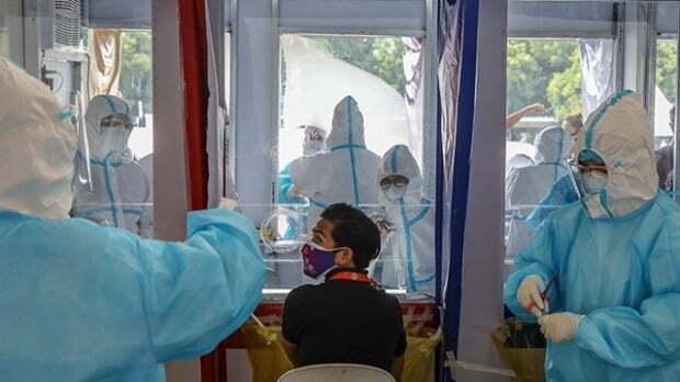 필리핀에서 신종 코로나바이러스 감염증(코로나19) 누적 확진자가 10만명을 넘기면서 일부 지역에 준봉쇄령이 내려진다./사진=EPA