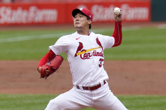 세인트루이스 김공현이 지난 28일(한국시각) 피츠버그전에서 힘차게 공을 던지고 있다. AP연합뉴스