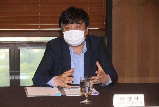 한상혁 방송통신위원장이 지난달 18일 서울 중구 프레스센터에서 국내 OTT 4개사와 간담회를 열었다. 사진 방송통신위원회