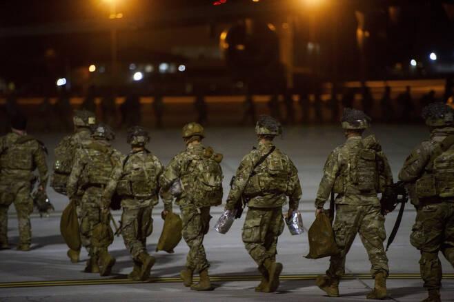 미국 국방부는 9일(현지시간) 중동 지역을 관할하는 미 중부사령부가 이라크에 주둔 중인 전체 미군 수인 5200명의 42%에 해당하는 2200명을 감축할 예정이라고 발표했다. [AP]