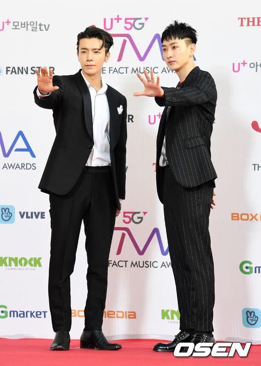 [OSEN=인천, 지형준 기자]슈퍼주니어 D&E가 참석해 포토타임을 하고 있다. /jpnews@osen.co.kr