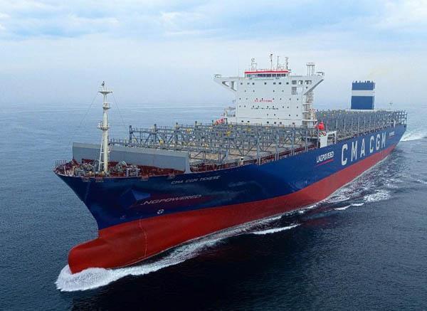 현대중공업이 건조한 LNG 연료 추진선의 시운전 모습. 현대중공업 제공 .