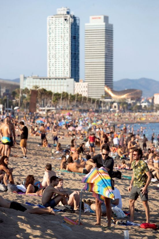 5일 스페인 바로셀로나의 산 세바스티아 해변 [이미지출처=EPA연합뉴스]