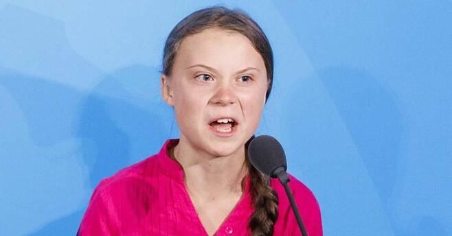 '유엔 기후행동 정상회의'에서 스웨덴의 10대 환경 운동가 그레타 툰베리(17)가 연설을 하고 있습니다. EPA=연합뉴스