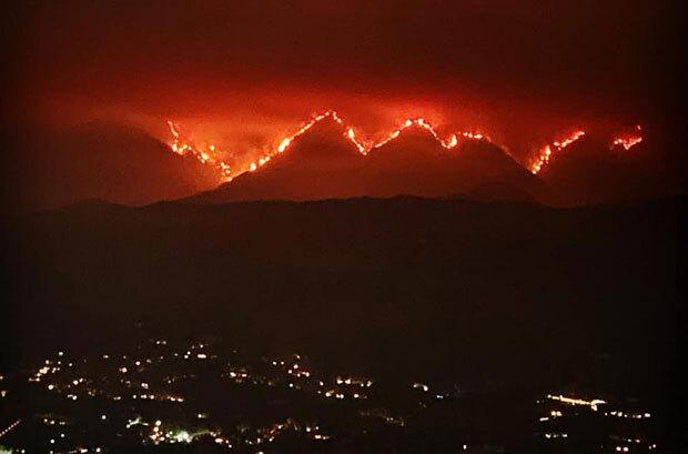 일주일 전 로스앤젤레스 국유림에서 발생한 '밥캣 파이어'(Bobcat Fire)가 번진 상태다./사진=LA카운티 소방당국