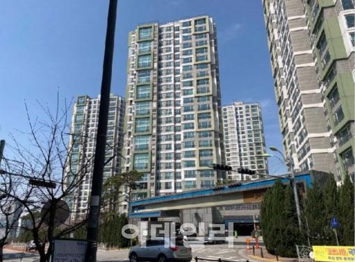 법원 경매 시장에 나온 청주용정한라비발디 아파트 전경(사진=지지옥션 제공)