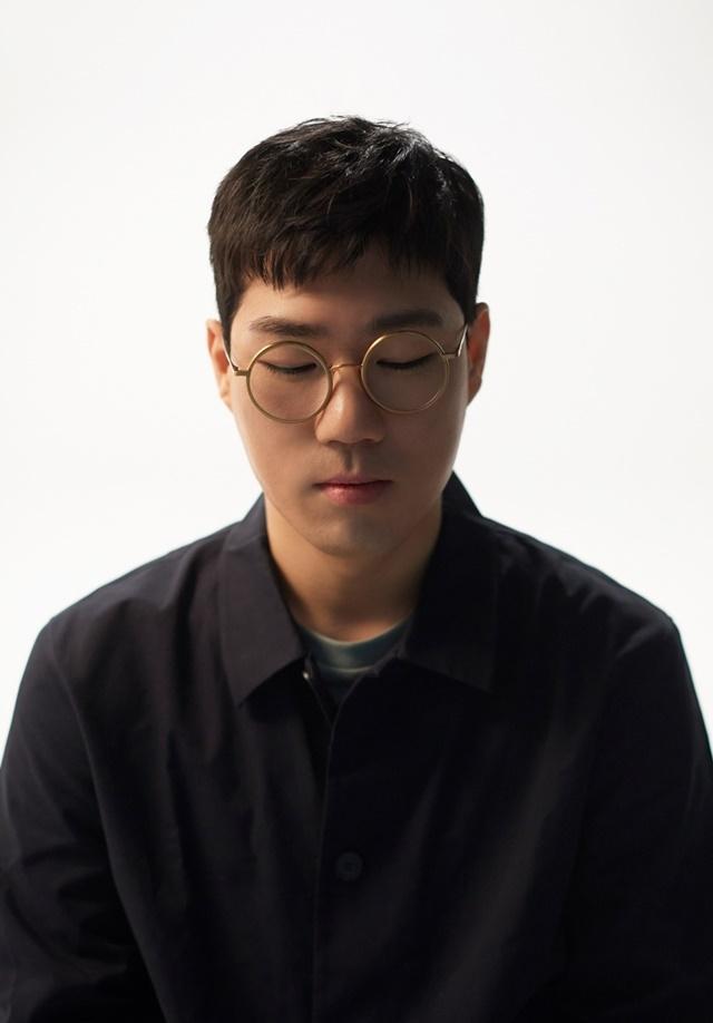 프로듀서 더 블랭크 숍으로 돌아온 재즈 피아니스트 윤석철. 제공|안테나