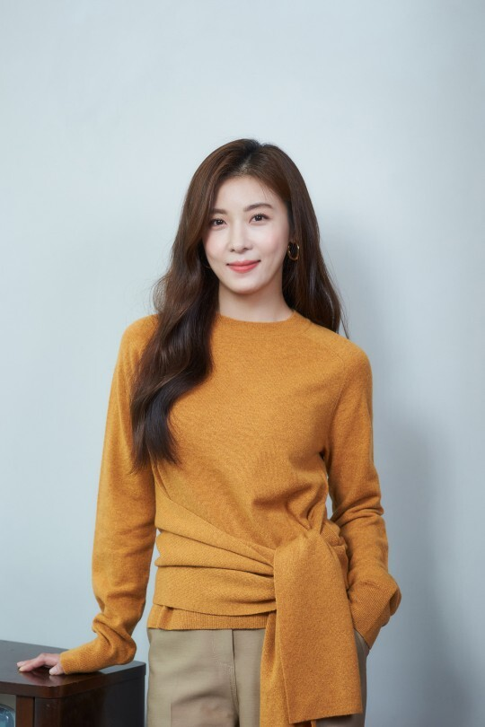 영화 '담보'에 출연한 배우 하지원. CJ엔터테인먼트 제공