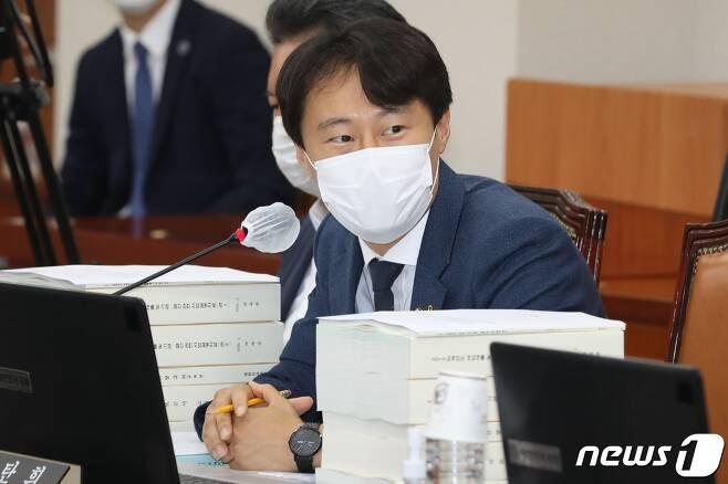 이탄희 더불어민주당 의원. 2020.8.25/뉴스1 © News1 신웅수 기자