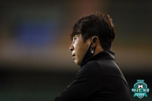 김기동 감독(포항스틸러스). 한국프로축구연맹