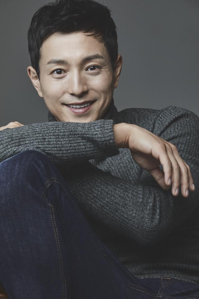 [서울=뉴시스] 배우 정성일 (사진 = 바를정엔터테인먼트) 2020.10.08. photo@newsis.com