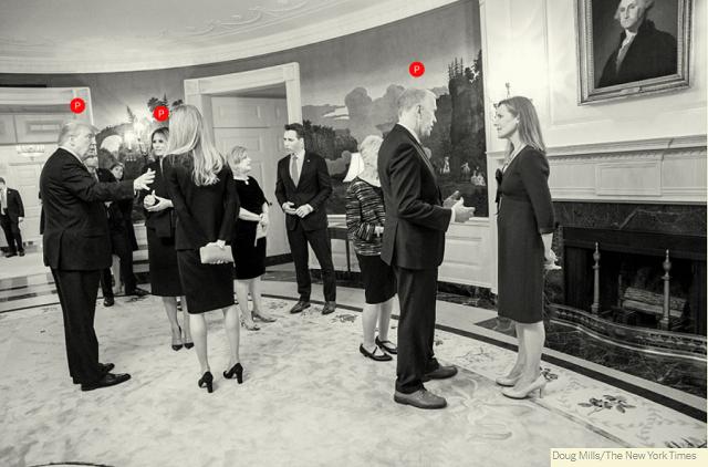 행정부 관리들과 손님들은 마스크와 사회적 거리두기 지침을 따르지 않고 실내의 좁은 공간에서 대화를 나눴습니다. (사진출처) www.nytimes.com