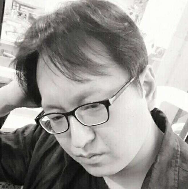박진성 시인. (페이스북 갈무리) © 뉴스1