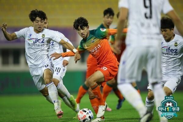 이현식(강원FC). 한국프로축구연맹