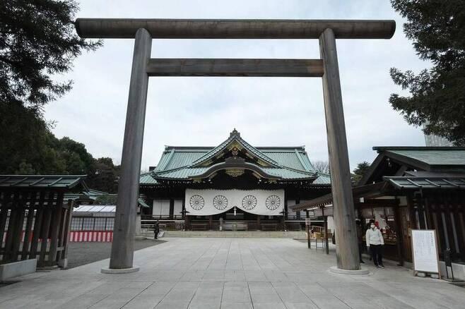 일본 도쿄 지요다구에 있는 야스쿠니신사. 도쿄/AFP 연합뉴스