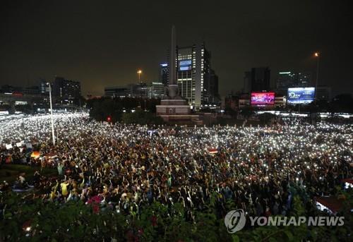 태국 반정부 시위대의 야간 집회 [epa=연합뉴스 자료사진]