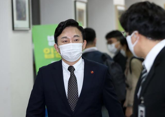원희룡 제주지사는 이번 사건 발생 후 자신의 페이스북 계정에 미혼모 지원실태와 입양 제도 점검에 초점을 맞춰 점검하겠다고 밝혔다. 제주=뉴시스