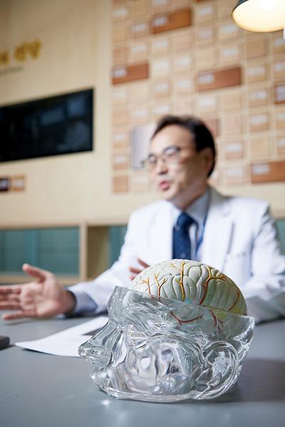 뇌동맥류를 조기 발견하기 위해서는 5년 단위로 뇌혈관자기공명 촬영이나 혈관단층촬영으로 뇌혈관 검사를 하는 것이 좋다./사진=신지호 헬스조선 기자