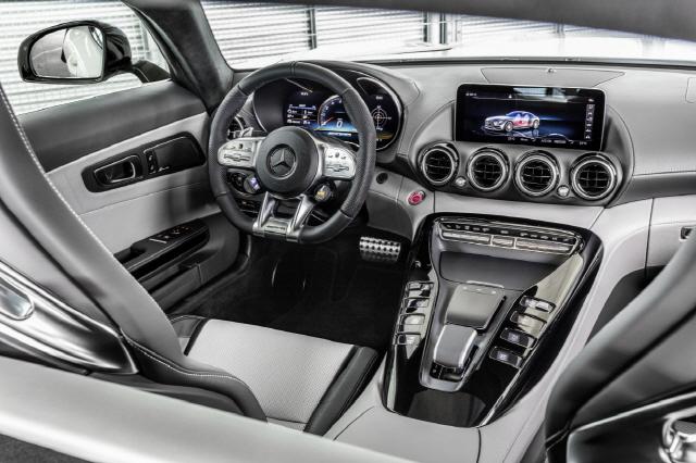 더 뉴 메르세데스-AMG GT 인테리어 /사진제공=벤츠