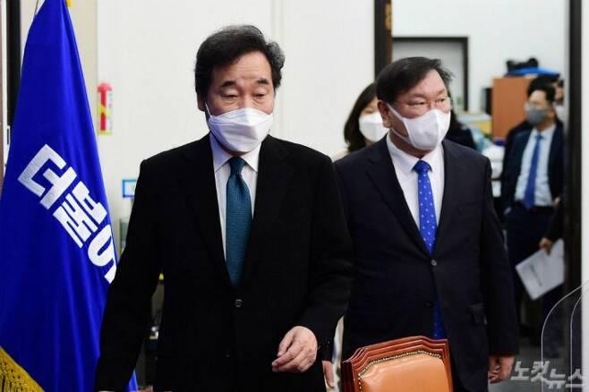 이낙연 더불어민주당 대표와 김태년 원내대표(사진=황진환 기자/자료사진)