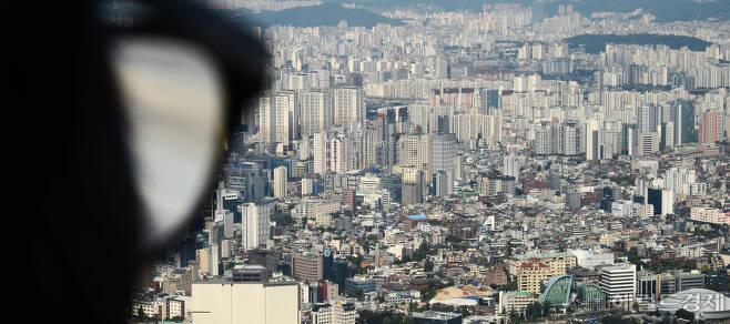 서울 남산서울타워 전망대에서 바라본 서울시내 모습[헤럴드경제DB]