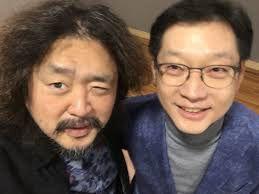 방송인 김어준(왼쪽)씨와 김경수 경남지사(오른쪽)/인터넷 캡처