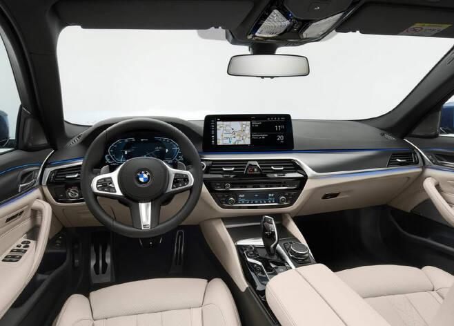 BMW 5시리즈 실내.