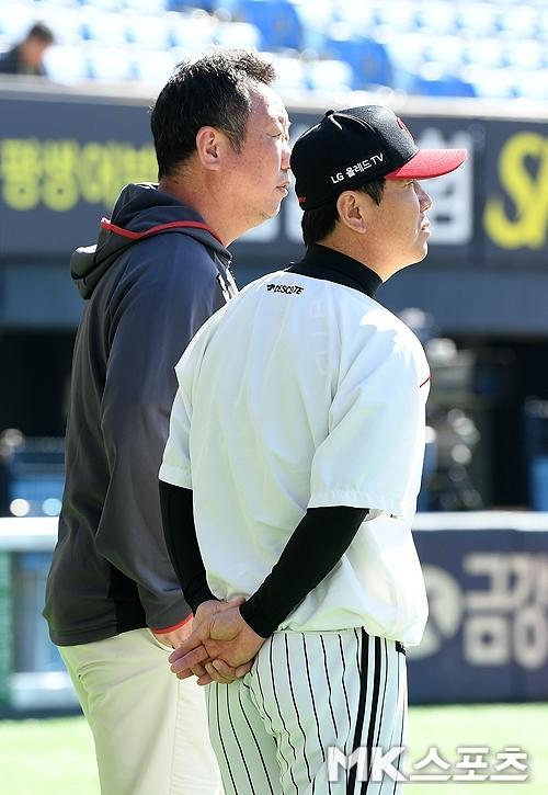 LG트윈스의 류지현 신임 감독(오른쪽)과 차명석 단장(왼쪽). 사진=MK스포츠 DB