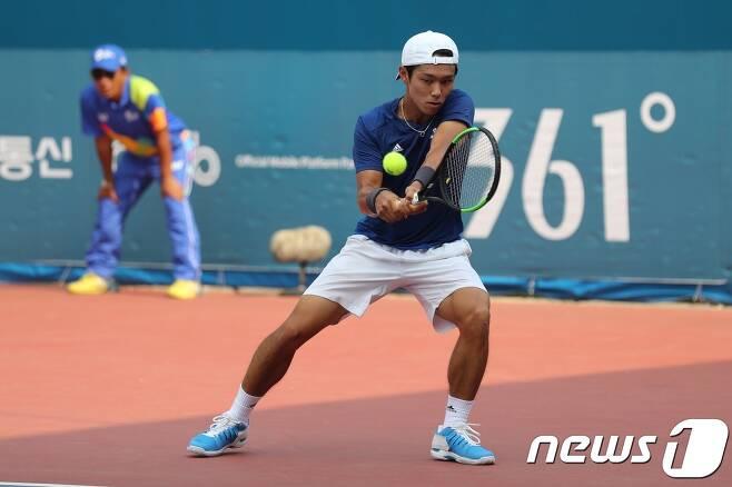 '제75회 한국테니스선수권대회' 단식 결승에 진출한 이덕희.(대한테니스협회 제공) © News1