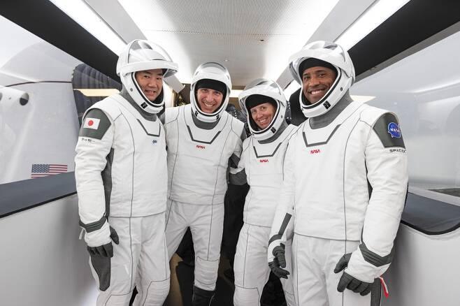 '리질리언스'에 탑승할 우주비행사들 [NASA 트위터 캡처·재판매 및 DB 금지]