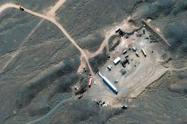 트럼프가 공격하려한 곳은 여기? - 지난달 21일 미국 맥사 테크놀로지가 공개한 위성사진에 포착된 이란 중부 나탄즈 핵시설 단지. /로이터 연합뉴스