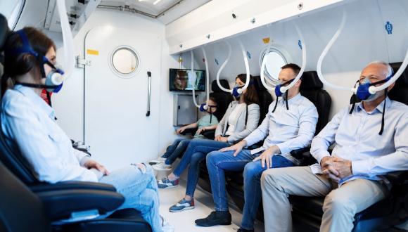 참가자들을 치료한 고압산소장치의 내부 모습 예시(사진=텔아비브대)