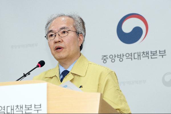 코로나19 브리핑하는 권준욱 부본부장/사진=조선일보 DB