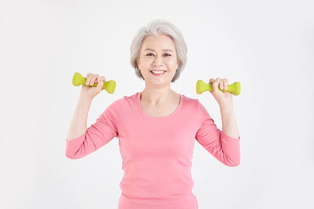 앉아있거나 누워있는 시간이 긴 폐경기 여성은 심부전 발병 위험이 크다는 연구 결과가 나왔다./사진=클립아트코리아