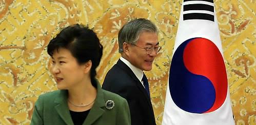 박근혜 전 대통령(왼쪽)과 문재인 대통령. 세계일보 자료사진