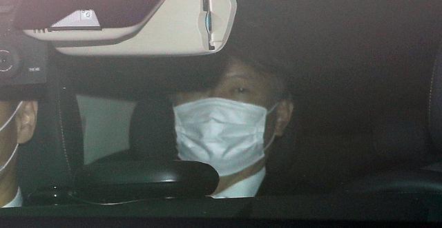 윤석열 검찰총장이 2일 오전 서울 서초동 대검찰청으로 출근하고 있다. 뉴스1