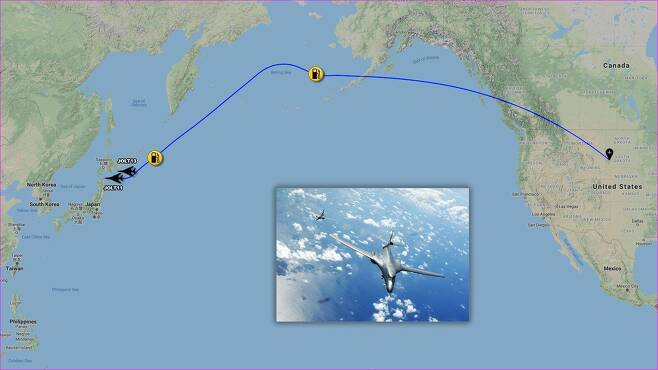 미 폭격기 2대, 본토→일본 인근→괌 전개…'논스톱 출격' 과시 (서울=연합뉴스) 5일 민간항공기 추적사이트 '에어크래프트 스폿'(Aircraft Spots)에 따르면 B-1B 2대는 전날 미국 사우스다코타주 엘즈워스 공군기지에서 출발해 북태평양과 일본 인근 상공을 거쳐 괌 앤더슨 공군기지까지 전개했다. 2020.12.5 [출처=에어크래프트 스폿 트위터 계정]