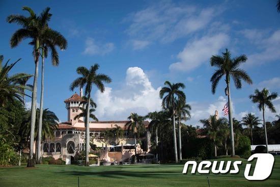 플로리다 주 팜비치에 위치한 도널드 트럼프 미국 대통령 소유의 '마라라고(Mar-a-lago)' 골프 리조트. © AFP=News1