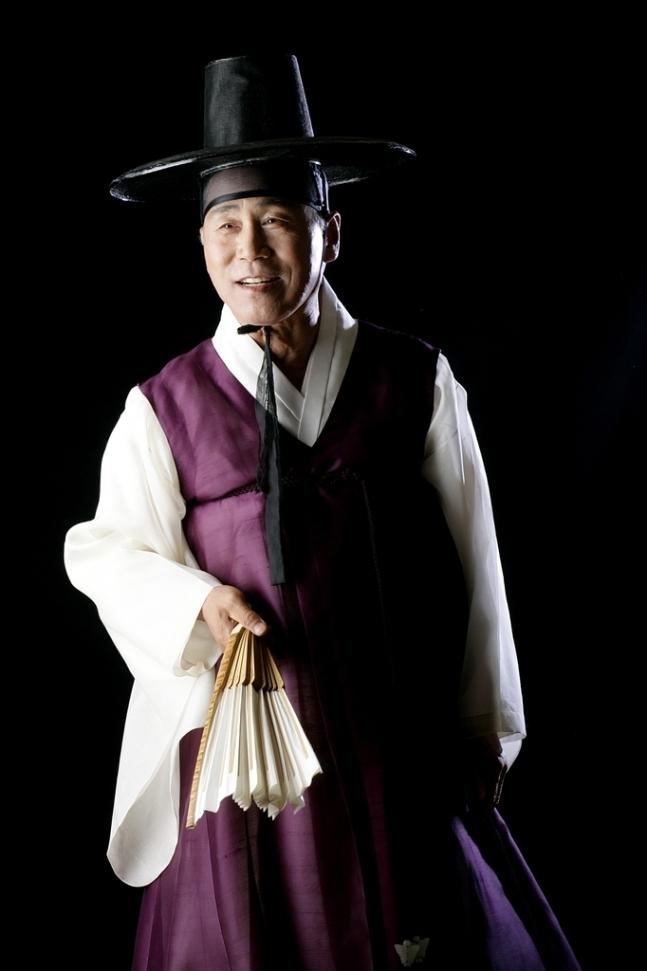 판소리 적벽가 보유자로 인정된 김일구씨(문화재청 제공)© 뉴스1