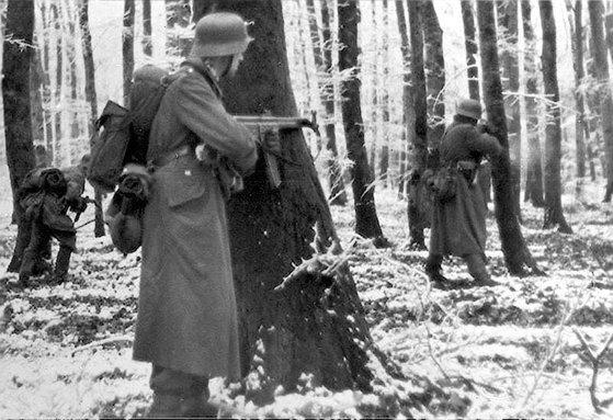 1944년 겨울 벌지 전투에서 공세에 나선 독일군. [사진 중앙포토]